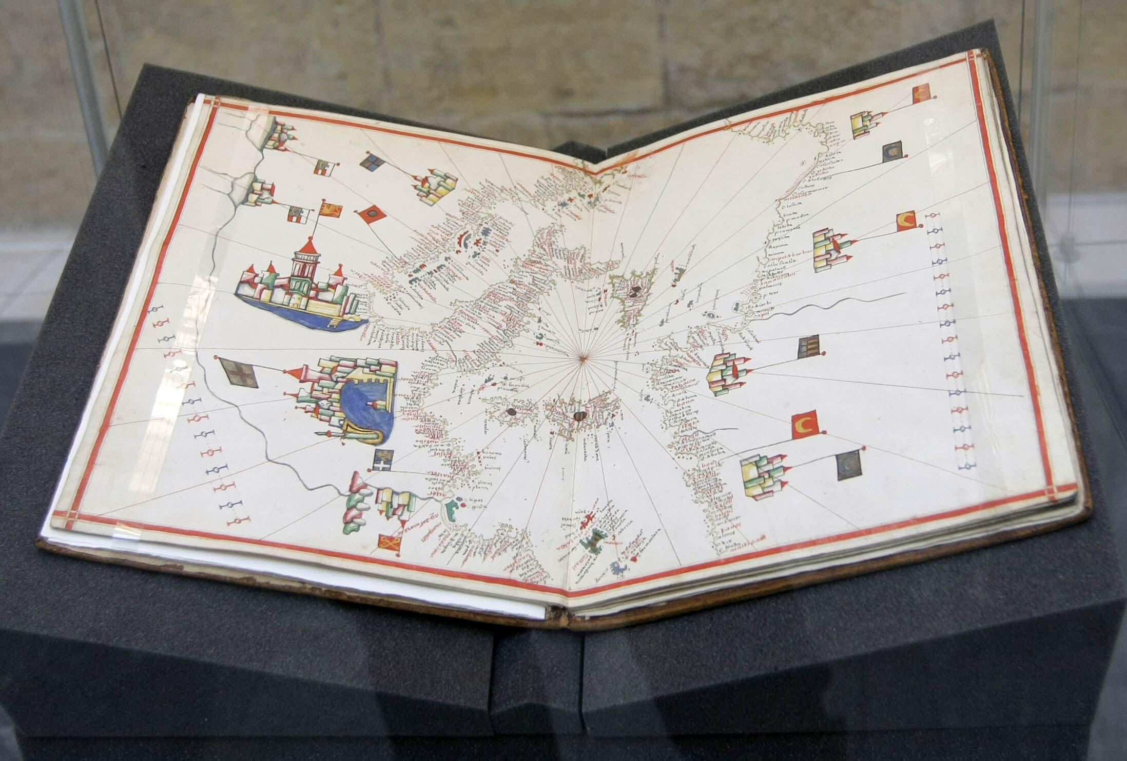 Námořní atlas ze 16. stol., který objevil Jiří Glonek ve Vědecké knihovně v Olomouci