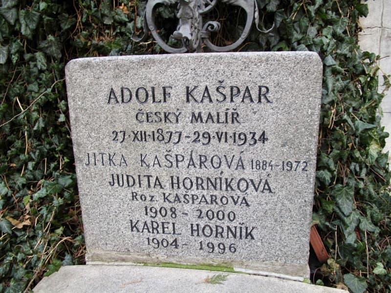 Hrob Adolfa Kašpara a jeho rodiny v Praze na Vyšehradě