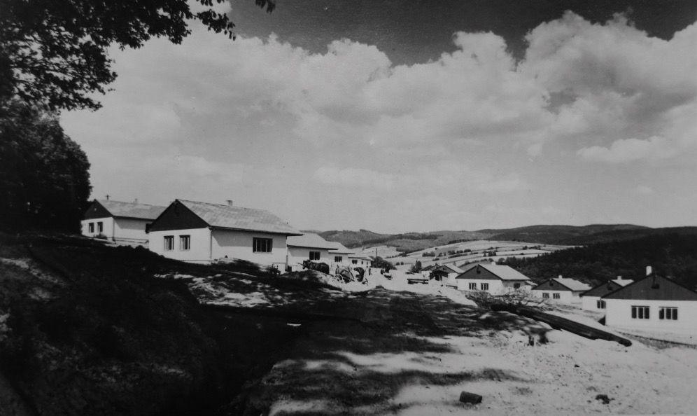 "Nová čtvrť ""Sokolovo"" v Mariánském Údolí kolem roku 1948"
