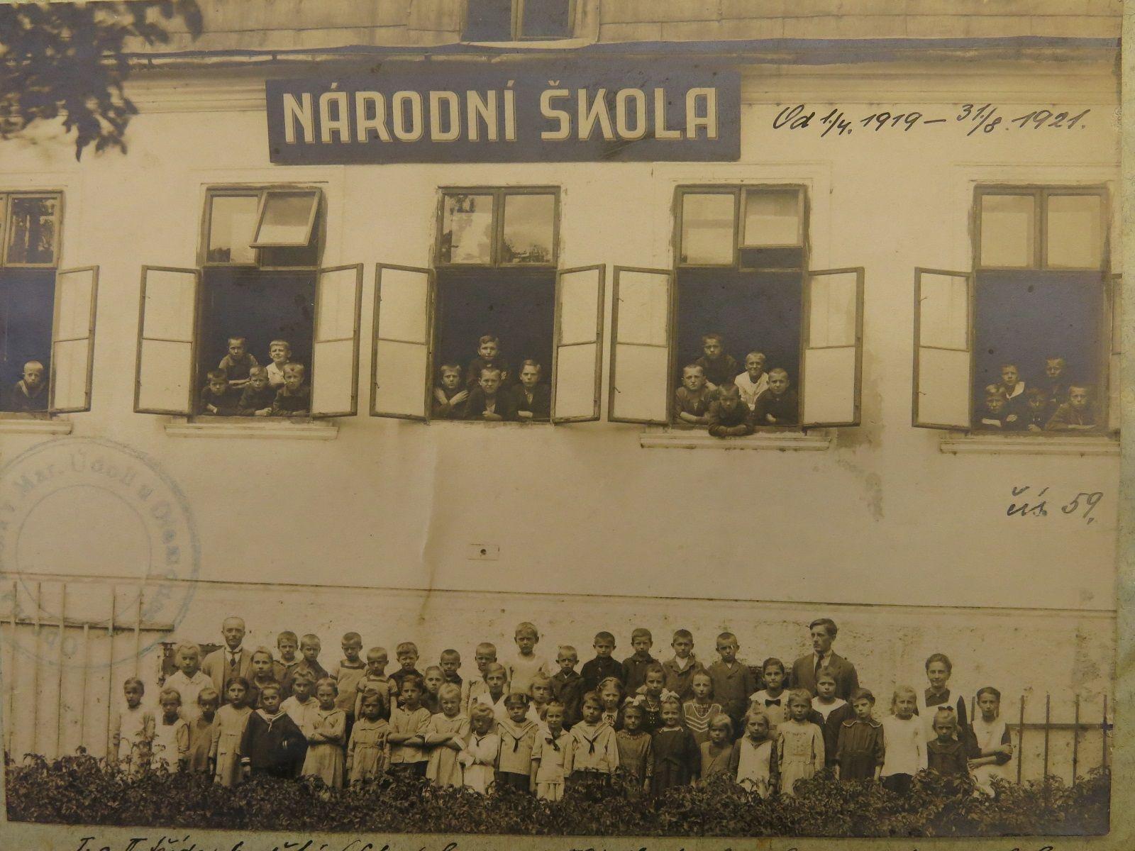 Národní škola v Mariánském Údolí